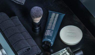 I Sufracos nya rakserie Grooming for men finns 5 produkter som innehåller naturliga ingredienser med olika unika väldoftande egenskaper som lugnar, skyddar och ger huden näring.Rakkräm 250 kr, raktvål 170 kr och eau de toilette 590 kr.